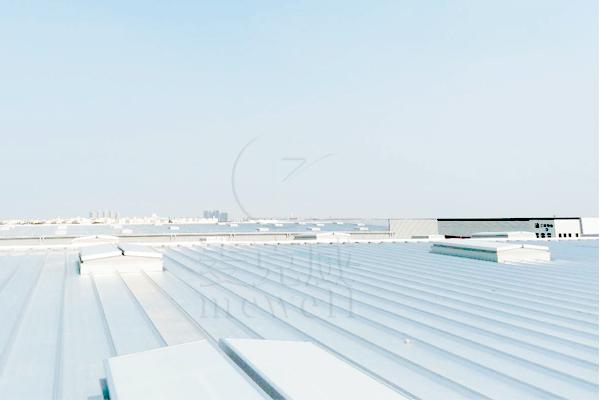菜鸟物流运营中心——南昌三角型排烟天窗